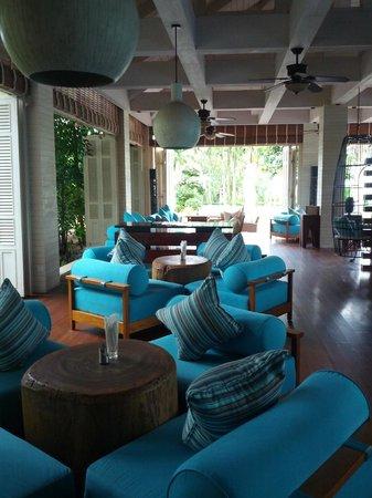 Renaissance Sanya Resort & Spa: Another bar.