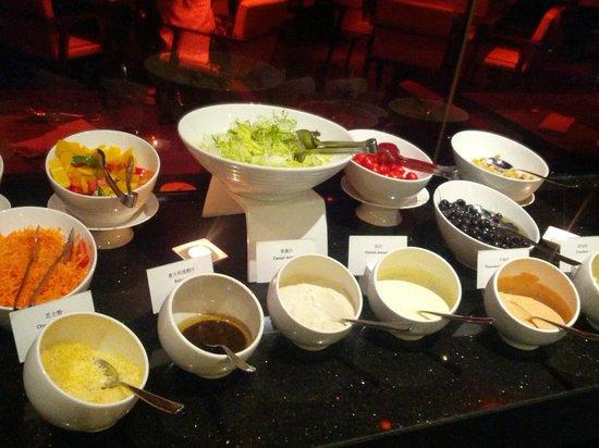 Renaissance Sanya Resort & Spa: Buffet.