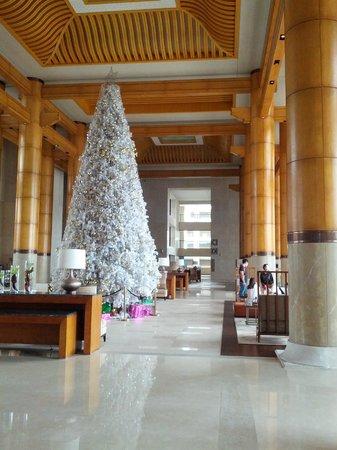 Renaissance Sanya Resort & Spa: Lobby.