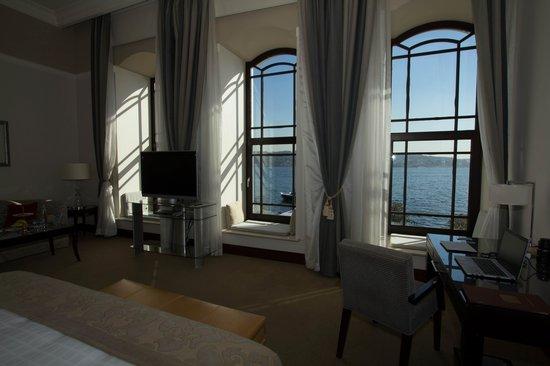 Four Seasons Istanbul at the Bosphorus: room