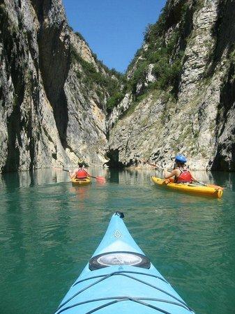 Ager Parapent Centre de Vol: Alquiler de kayaks en Àger ¡Ven con los tuyos a disfrutar!