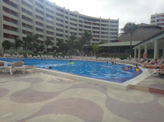 Crown Paradise Club Cancun: outra piscina