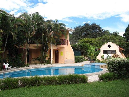 Hotel Giada: Innenhof mit Pool