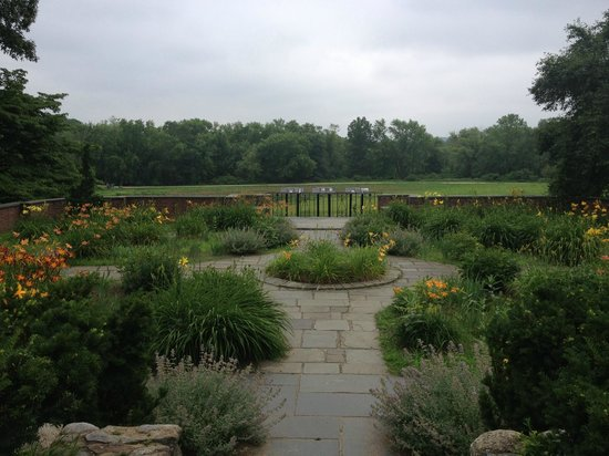 Minute Man National Historical Park: The garden