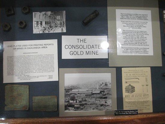 Dahlonega Gold Museum State Historic Site: Information about one of the mines