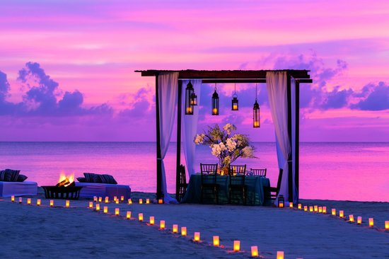 The Ritz-Carlton, Grand Cayman: Beachfront Social Event