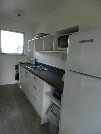 Sands Motel: Kitchen