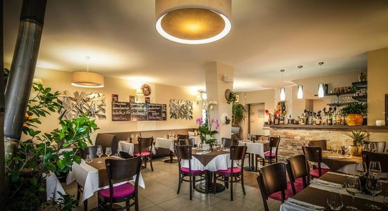 the 10 best restaurants near novotel valenciennes aerodrome. Black Bedroom Furniture Sets. Home Design Ideas
