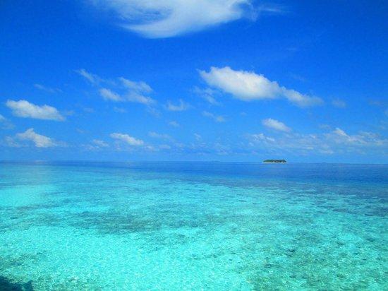 Baros Maldives : View from beach