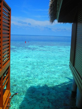 Baros Maldives : Stairs from Water villa to sea