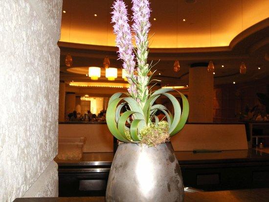 Loews Miami Beach Hotel : Холл отеля