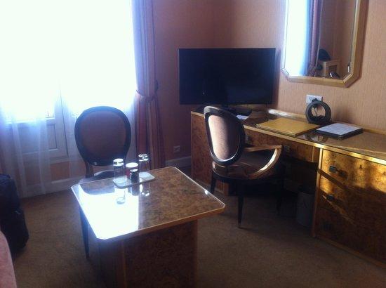 Hotel Atala Champs Elysees: la camera