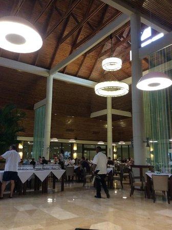 Grand Palladium Bavaro Suites Resort & Spa: La Catedral restaurant