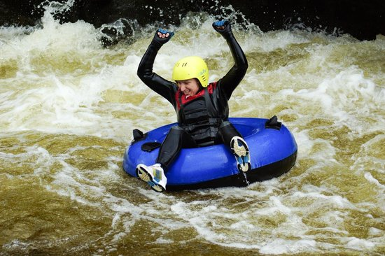 Portinscale, UK: White Water Tubing: Victorious