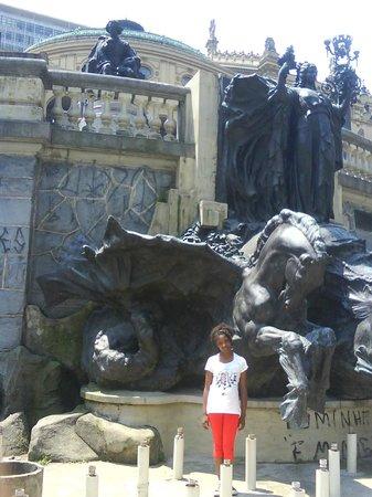 Ramos de Azevedo Square: chafariz