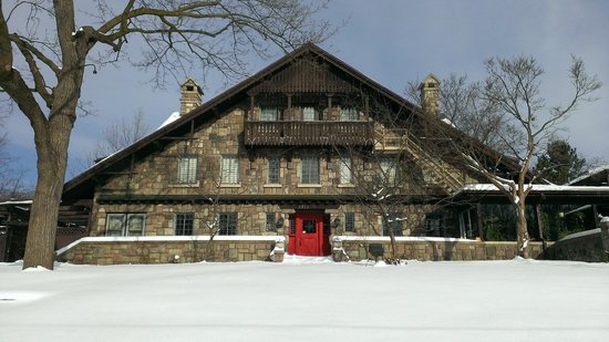 Stone Chalet Bed & Breakfast Inn : Winter at Stone Chalet