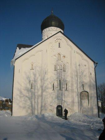 Church of Spasa-na-Iliene: Церковь Спаса Преображения на Ильине улице