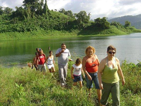 Lake Arenal: cerca del lago