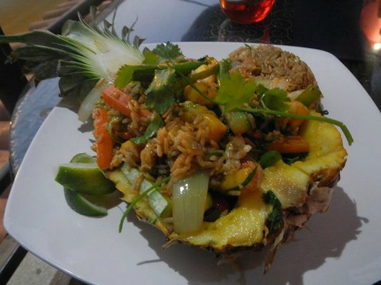 Dragonfly Thai Restaurant and Bar: Pineapple fried rice