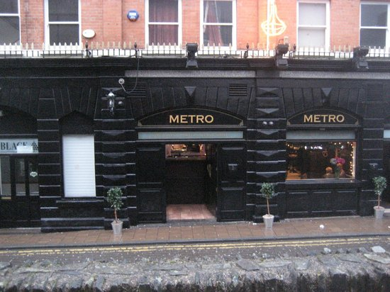Metro Bar: From the Walls