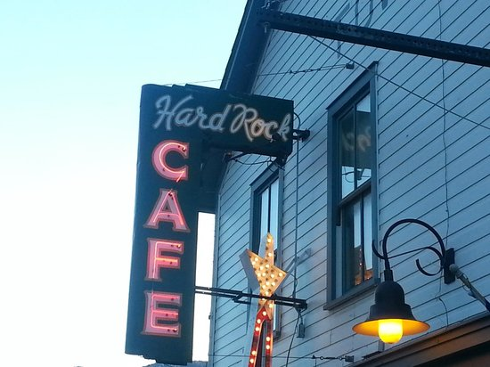 Hard Rock Cafe: Front of the Cafe