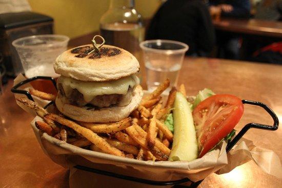 "Diablo Burger: The ""Marilyn"" Cheeseburger"