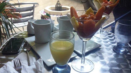 Hotel Julamis : Breakfast