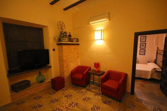 Hotel Rural Casa Grande Almagro: Living Area of Rocinante Suite