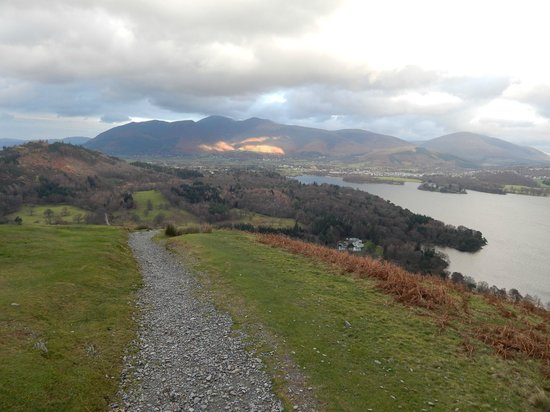 Orrest Cottage Bed & Breakfast: On the way up Catbells