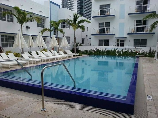 Pestana Miami South Beach Art Deco Boutique Hotel : piscina aquecida