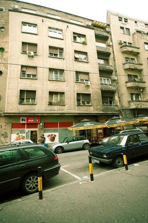 Hostel Indigo: Building exterior