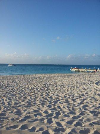 Club Med Turkoise, Turks & Caicos: busy beach