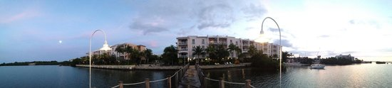 Key West Marriott Beachside Hotel : Panorama view of the property from the Marriott Pier