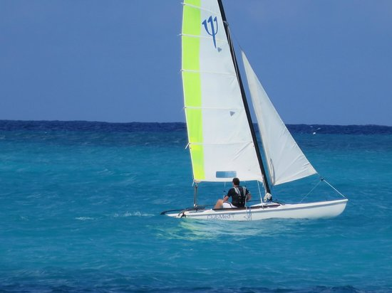 Club Med Columbus Isle: Great Sailing in protected area inside reef