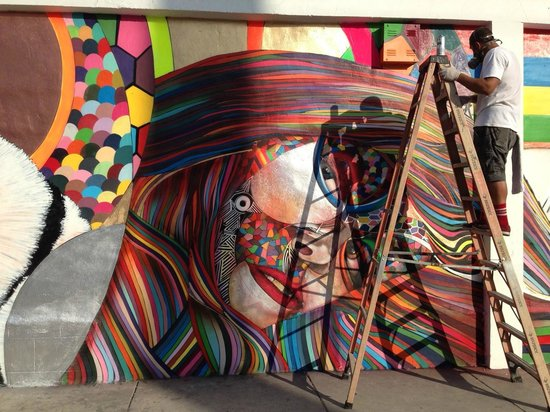 The Art Experience : Interesting street art w Chorboogie