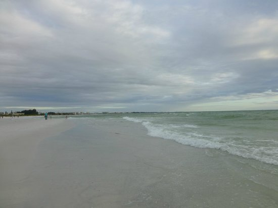 Siesta Beach: Soft sand and warm water!