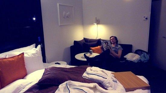 Radisson Blu Plaza Hotel, Helsinki: приятный большой диван