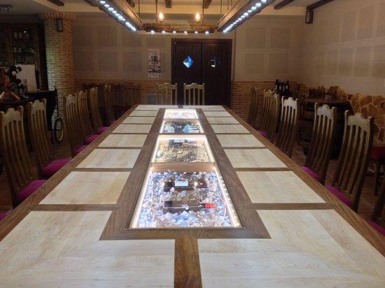 Great menu picture of restaurante san agustin jumilla for Mesas para restaurante