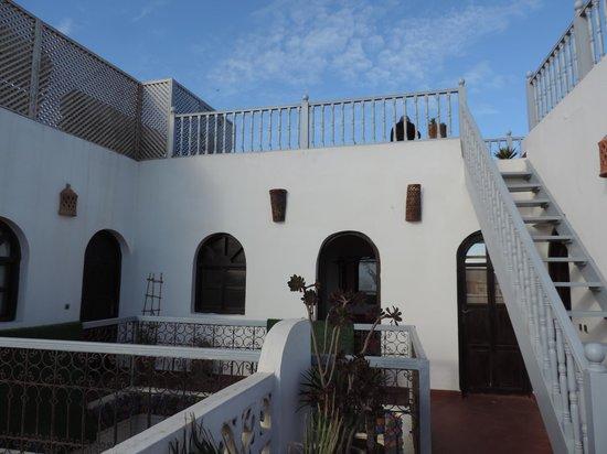 Riad Asmitou : vue de la chambre et de la terrasse