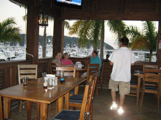 The hookup bar costa rica