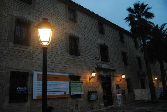 Centro Cultural Banos Arabes: Palacio de Villardompardo