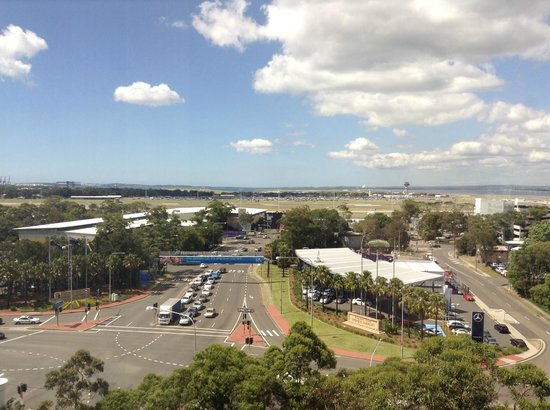 Stamford Plaza Sydney Airport : Great location, right across from domestic terminal