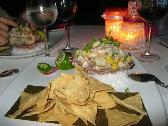 Altamar Restaurant and Lounge : Seafood Ceviche served in a seashell!