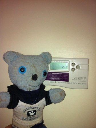 Premier Inn Grantham Hotel: 23 Degrees ? i Turned Blue