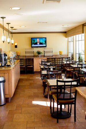 BEST WESTERN Beachside Inn: The breakfast area