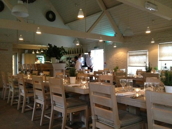 DAYLESFORD FARM SHOP KINGHAM UK Picture of Daylesford Organic Farm Cafe