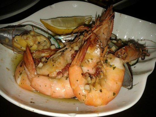 TJs Caribbean Tapas Bar : Tjs prawns and mussels