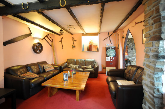 West Country Inn: Lounge