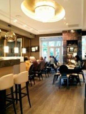 Hotel Apple Inn: Bar and Cafe