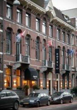 Hotel Apple Inn: Entrace
